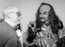 Bob and a Klingon discuss his film reviews.